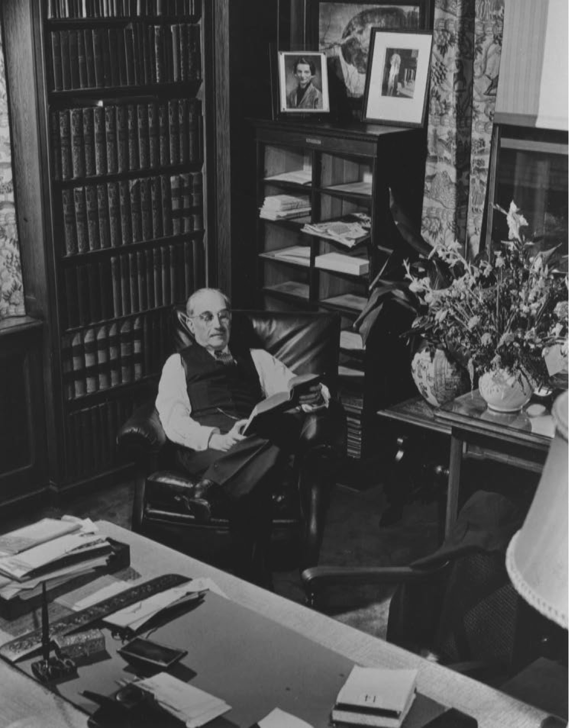 Rabbi Leo M. Franklin in his office (Source: Leo M. Franklin Archives, Temple Beth El)
