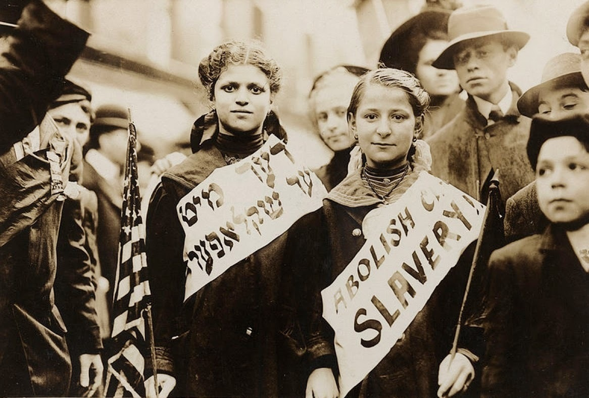 Yiddish children protesting against New York City's lack of child labor laws in 1909.
